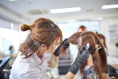 グラデーションヘアカラー&まつ毛エクステンション